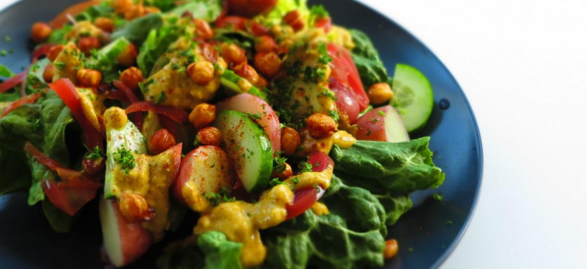 Ranch salad with mini potatoes and smoky crispy chickpeas